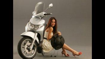 Moto - Gallery: Piaggio Beverly gamma '05