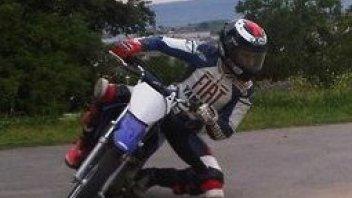 Moto - News: MotoGP: Lorenzo di nuovo in sella ad una minimoto!