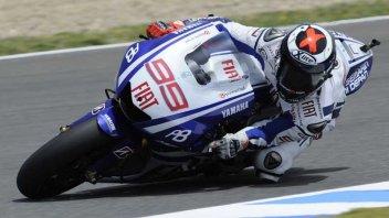 Moto - News: MotoGP, Warm up: Rossi KO, Lorenzo OK