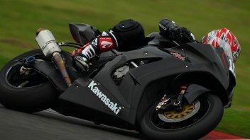 Moto - News: In pista la Kawasaki 2011 Superbike