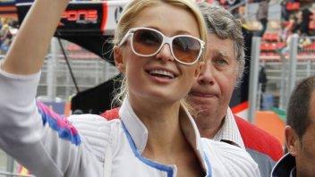 Moto - News: Paris Hilton si innamora della MotoGP