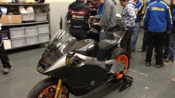 Moto - News: Edwards debutta sulla Suter-BMW