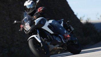 Moto - Test: Aspetto da off-road, cuore stradale