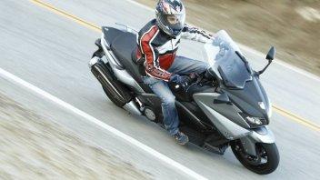 Moto - Test: TMax : La moto si veste da scooter