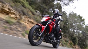 Moto - Test: TEST Honda CB500 F e R: gemelle diverse