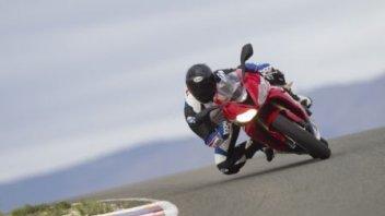 Moto - News: Un giorno in pista grazie a Triumph