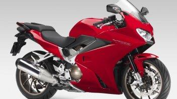 Moto - News: VFR800F: il classico diventa moderno