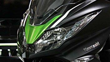 Moto - Scooter: Kawasaki J300 - lo scooter si tinge di verde