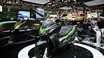 Moto - Scooter: Kawasaki promuove il suo J300