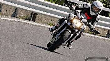 Moto - Test: MV Agusta Brutale Dragster: fuori i secondi