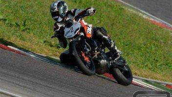 Moto - Test: KTM Duke 200: in sella con Luca Bono