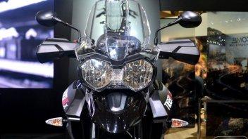 """Moto - News: Triumph Tiger 800: la """"tigre"""" si fa in quattro"""