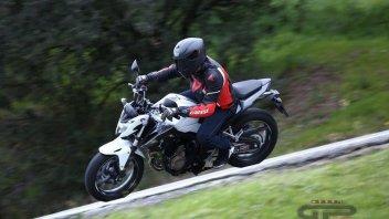 Moto - Test: Honda CB500F e CBR500R: due facce una razza