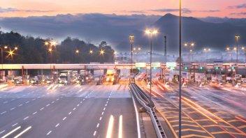 Moto - News: Autostrade e moto: la battaglia infinita...