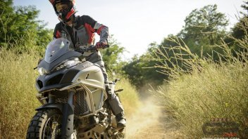 Casey Stoner trains for Dakar with Beppe Gualini
