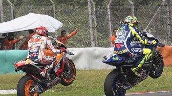 Rossi e Marquez omaggiano Simoncelli