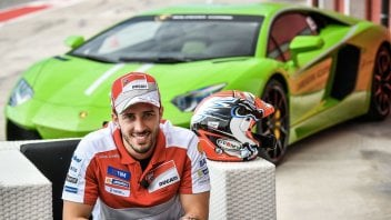 Dovizioso in gara a Valencia su una Lamborghini Huracan
