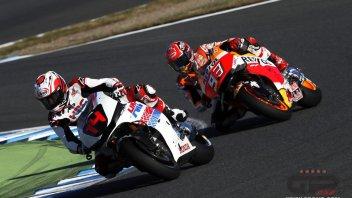 Fernando Alonso sfida Marc Marquez, ma solo per gioco