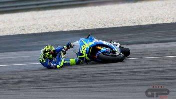 MotoGP: FOTO. La caduta di Iannone nei test di Sepang