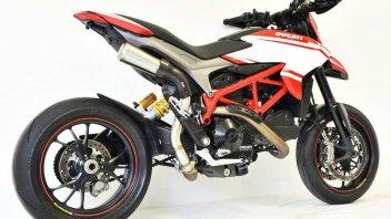 """Moto - News: HP Corse GP07: lo scarico """"alto"""" per la Ducati Hypermotard"""