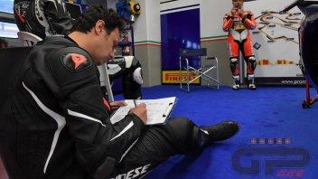 """Moto - News: Old School Racing: a scuola con il """"prof"""" Alex Gramigni"""