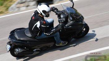 Moto - Scooter: Kymco AK 550: pronto alla battaglia