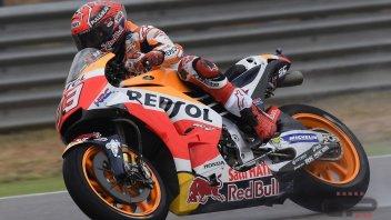 MotoGP: FP1: Marquez incanta sull'acqua, 2° Espargarò su Aprilia