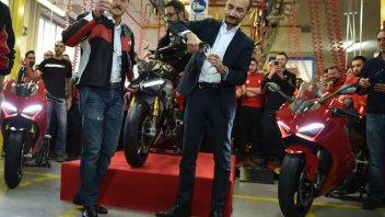 Moto - News: Ducati: a Borgo Panigale si brinda alla V4