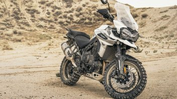 Moto - News: EICMA, Triumph Tiger 1200 XC-XR: l'enduro tecnologica