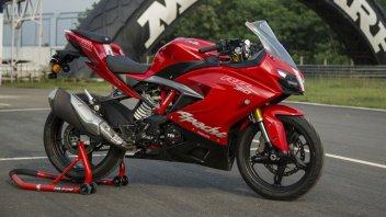 Moto - News: TVS Apache 310 RR: la mini SBK made in India