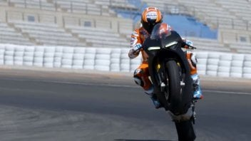 """Moto - News: Stoner tester sulla Panigale V4: """"Voleva proprio correre"""""""