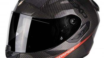Moto - News: Scorpion Exo 1400 Air Carbon: il casco Gran Turismo... premium