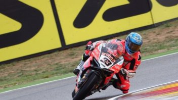 SBK: The weather doesn't stop Melandri, 1st on Friday ahead of Rea