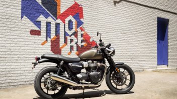 Moto - News: Triumph Street Twin 2019: più cavalli e nuovo look