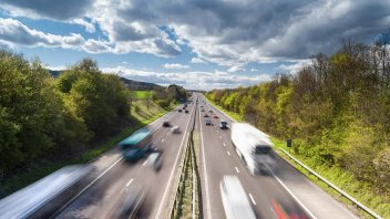 """Moto - News: 150 Km/h in autostrada? Il """"ritorno"""" della proposta che fa discutere"""