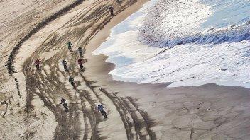 Dakar: KTM vs Honda, sfida infernale tra sabbia e dune in Perù