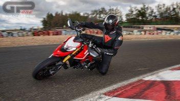 Moto - Test: Ducati Hypermotard 950: il ritorno dell'Hooligan