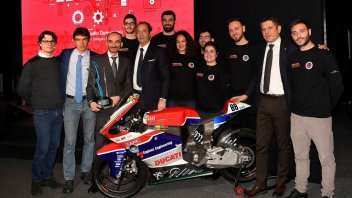 """Moto - News: Moto student: esordio """"elettrico"""" come il Desmosedici 2003"""