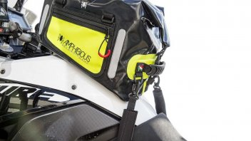 "Moto - News: Amphibious Tankbag: la borsa da serbatoio... ""gommosa"""