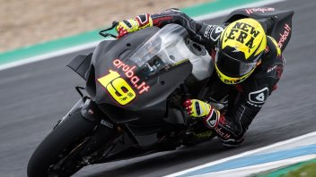 SBK: The Panigale V4's trial by fire against Rea the Cannibal