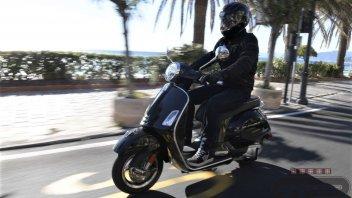 """Test: Vespa GTS 300 hpe: il """"Vespone"""" mostra i muscoli"""