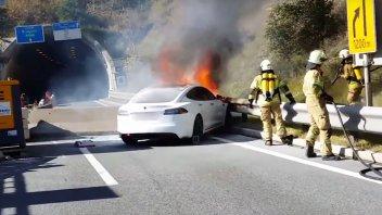MotoE: Perché bruciano e come spegnere i veicoli elettrici