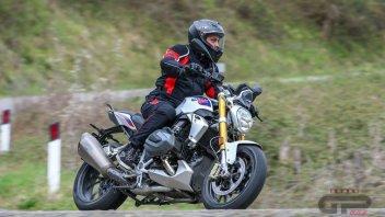 Moto - Test: BMW R 1250 R: Il lusso di essere nuda