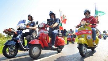 Moto - News: Vespa World Days 2019: in 5.000, hanno invaso l'Ungheria