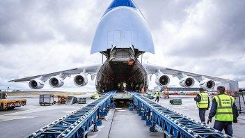 Viaggi: Spedire una moto: nave... o aereo? I consigli utili