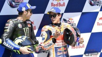 MotoGP: Rossi batte Marquez al fotofinish sul traguardo delle 50 vittorie