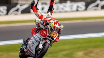 Moto2: Aegerter freestyling on the MV Agusta at Phillip Island