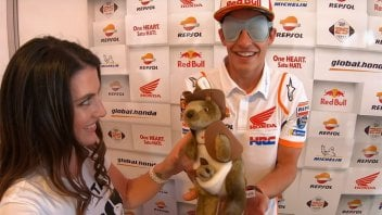 MotoGP: Marquez wins with his eyes closed... against a kangaroo
