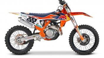 """Moto - News: KTM 450 SX-F Cairoli my2020: per """"volare"""" come il campione"""