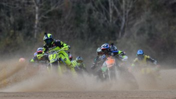 MotoGP: Dust and glory: Valentino's 100 Km of Champions in video